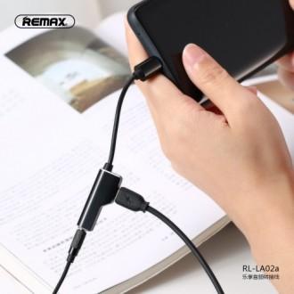 Juodas adapteris Remax RL-LA02i iš Lightning į Lightning + 3,5mm