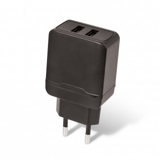Juodas buitinis įkroviklis Maxlife MXTC-02 su dviem USB jungtimis FastCharging (2.4A)